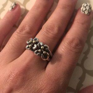 18k gold Anne King Flower Ring